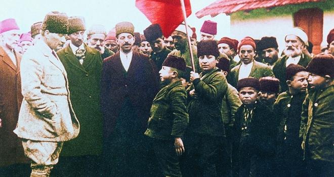 Büyük komutan Atatürk 80 yıldır özlemle anılıyor