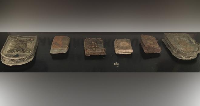 Uşak'ta el yazması 6 Tevrat ele geçirildi