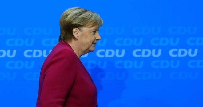 Merkel'in halefi yarın belli olacak