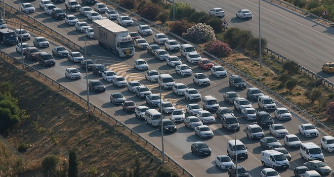 Otomobil ve hafif ticari araç pazarı 11 ayda yüzde 34 daraldı