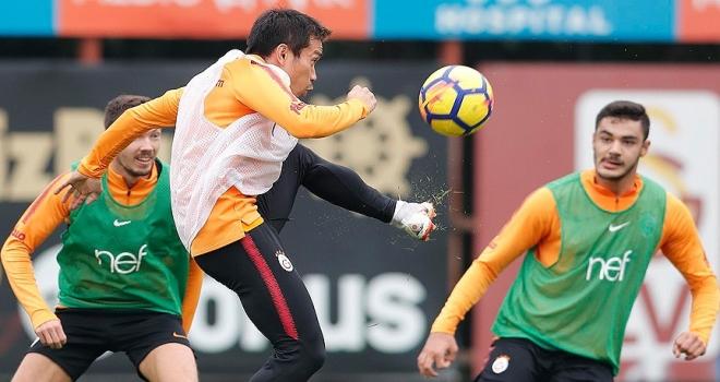 Galatasaray'da Lokomotiv Moskova mesaisi sürüyor