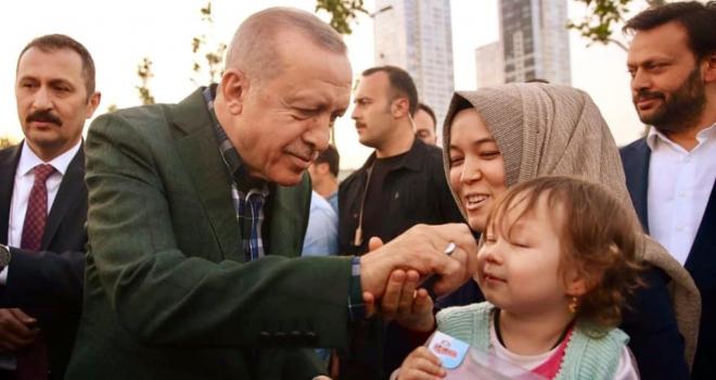 Başkan Erdoğan Daveti Geri Çevirmedi İftarını Zeytinburnu Sahilde Yaptı