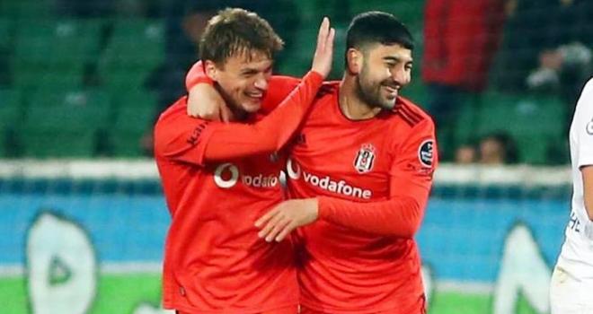 Beşiktaş, Rizespor'dan tarihi rövanşı aldı: '7-2'